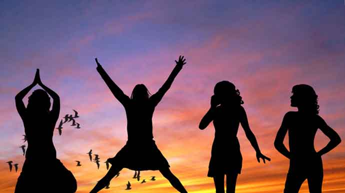 voxpopuli-girls-women-happy